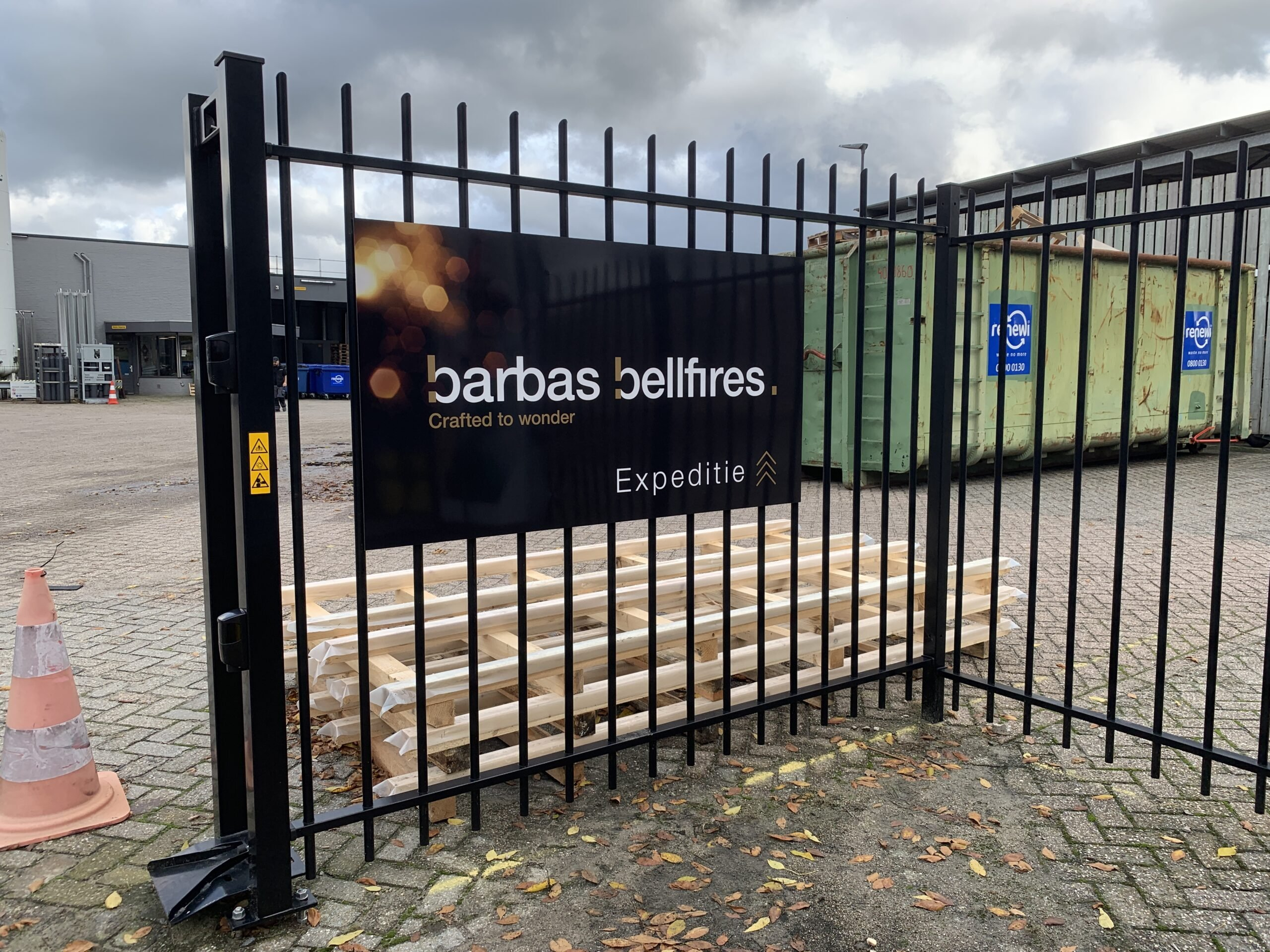 30 Barbas Bellfires Paneel belettering