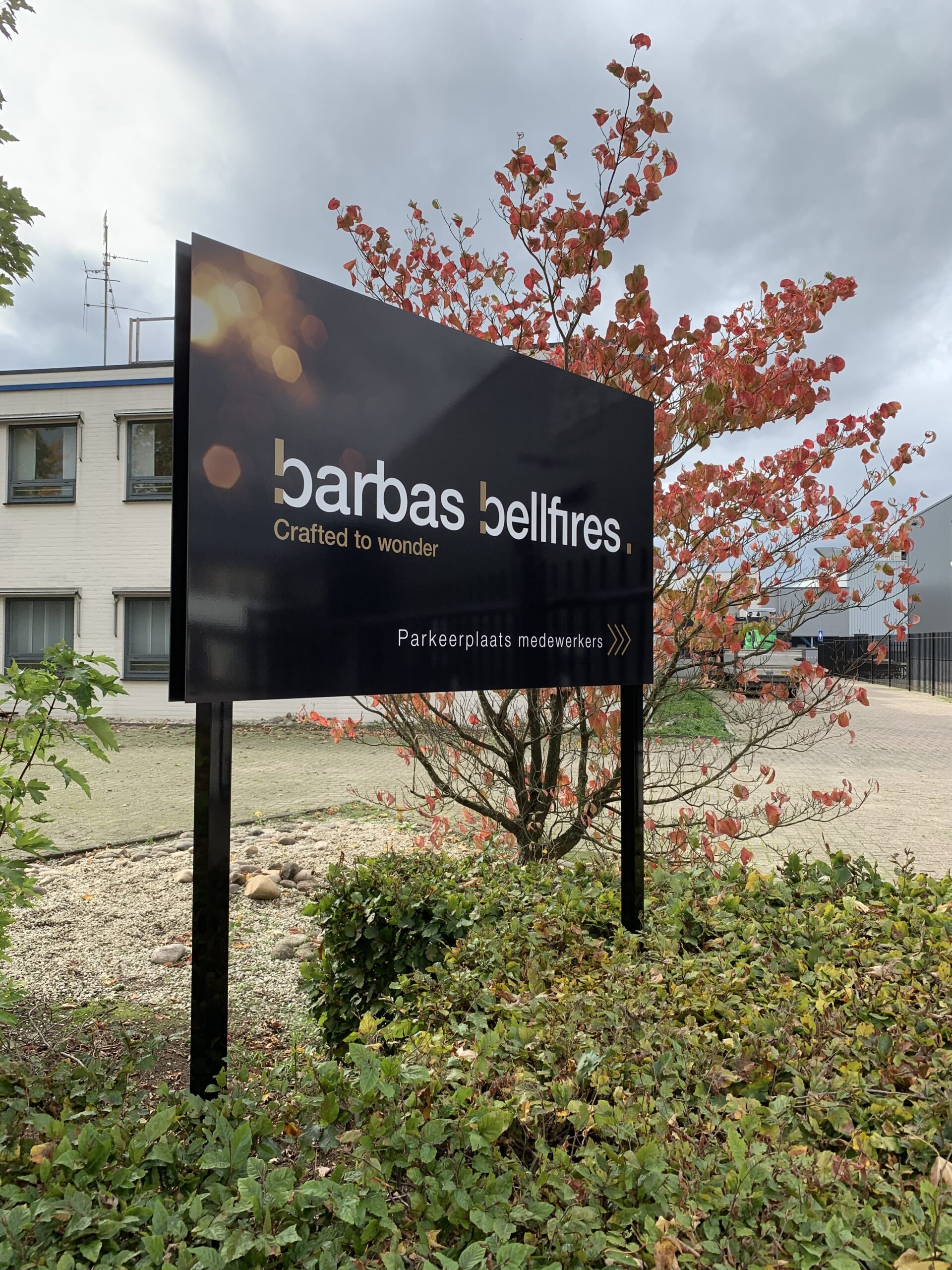 30 Barbas Bellfires Parkingbord