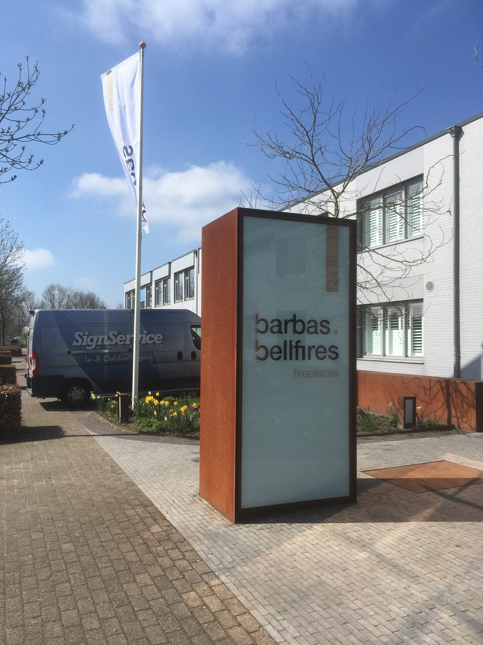 30 Barbas Bellfires Zuilreclame wit